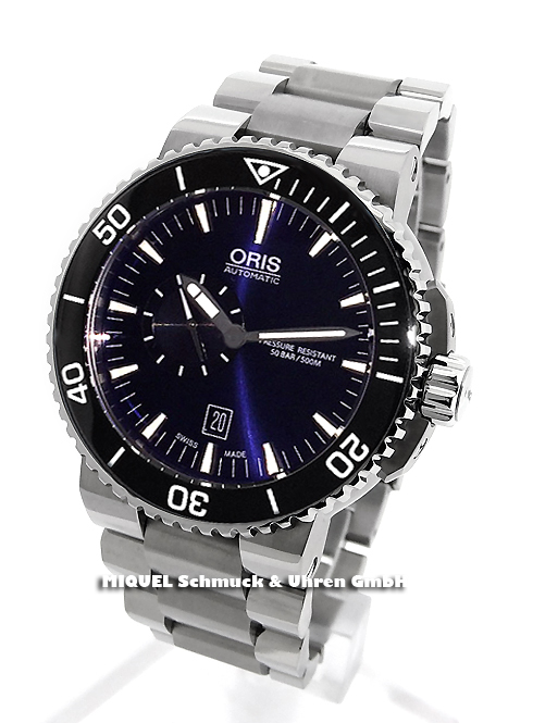 OceanicTime: ORIS Aquis Small Second DATE into TheBLUE